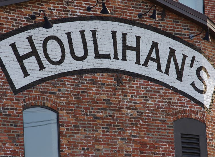 Houlihan's Sign